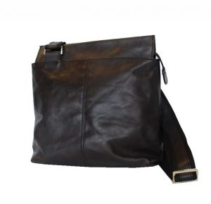 kabelka-z-pravej-koze-c-8403-v-ciernej-farbe