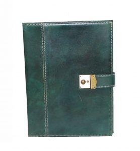 kozena-spisovka-so-zamkom-na-kluc-c-8344-v-zelenej-farbe-1
