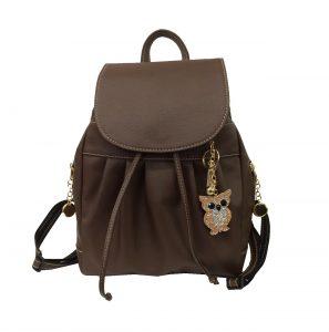 luxusny-kozeny-ruksak-z-pravej-hovadzej-koze-c-8665-v-hnedej-farbe-s-priveskom-sovicky-vo-farbach-2