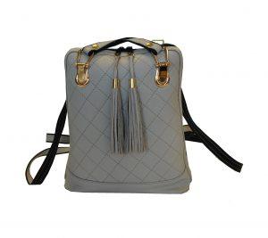 Luxusný kožený ruksak z pravej hovädzej kože so strapcami je vhodný na bežné nosenie do mesta, školy, či do práce. Ruksak je z pravej hovädzej kože