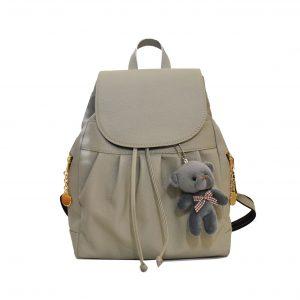 Dámsky kožený módny ruksak 8665u z prírodnej kože v šedej farbe s macíkom