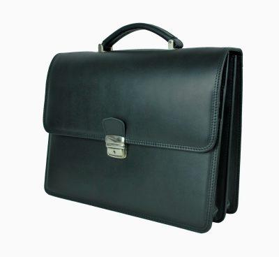Kožené aktovkybývajú bežnousúčasťou pracovného outfitu každého manažéra alebo manažérky. Slúžia ako praktické a pohodlné doplnky k prenosu potrebných dokumentov a vecí. (2)