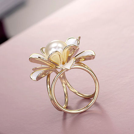 Unikátna-ozdoba-s-názvom-Biela-perla