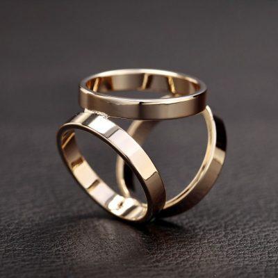 Prstenec je krásny ako na obrázku. Spona má prvotriednu kvalitu a je vysoko odolná