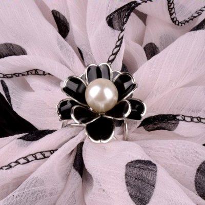 Unikátna ozdoba s perlou
