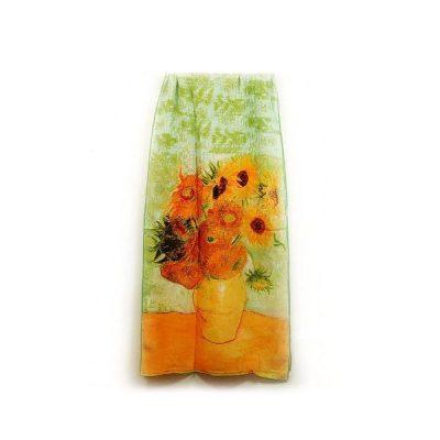 Na hodvábne šále sú inšpiráciou diela maliarskych velikánov, ich pozoruhodné detaily a motívy. Sú to spomienky na krásne výtvarné diela