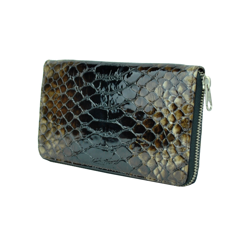 kožené peňaženky sú vyrábané z prvotriednej kože dovážanej z Talianska. V  našej ponuke sa nachádzajú 6a03617b551