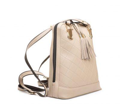Kožený ruksak z pravej hovädzej kože so strapcami č.8661 v pieskovej farbe (1)