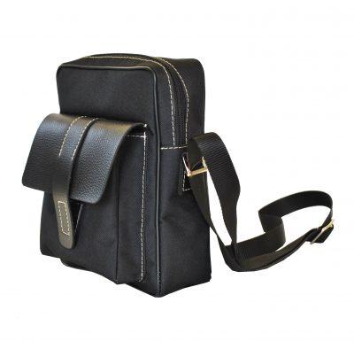 Textilná športová etua crossbody 8678. Táto trendy kožená crossbody taška je vyrobená z odolnej syntetickej kože a kvalitných podšívkových materiálov (2)
