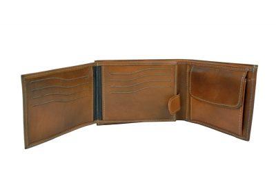 Elegantná peňaženka z pravej kože.Peňaženka savyznačujevysokou kvalitou použitých materiálova ich precíznym spracovaním (1)