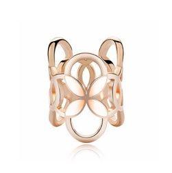 Prstencová ozdoba na šatky s ružovými kvetmi v zlatej farbe