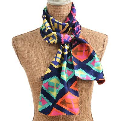 V našom online obchode nájdete luxusné brošne, spony, pracky a iné šperky používané k šatkám, šálom alebo ako ozdoby na dámske saká či oblečenie (2)