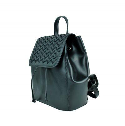 Kožený ručne vyšívaný ruksak v lesklej čiernej farbe (5)