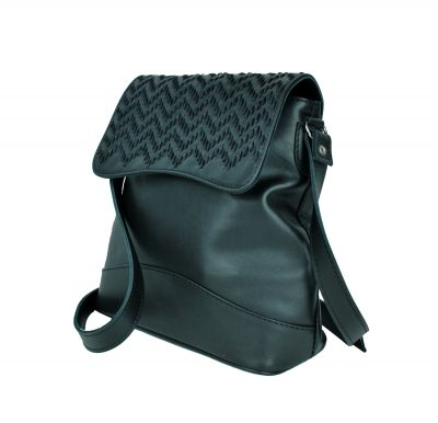 Ručne vyšívaná kožená kabelka v čiernej farbe (3)