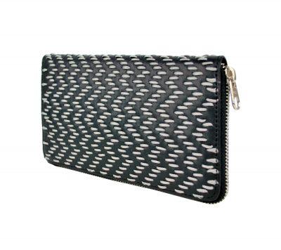 Dámska kožená peňaženka ručne vyšívaná, šedé vyšívanie (2)