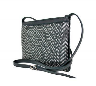 Kožená kabelka ručne vyšívaná v čiernej farbe-šedé vyšívanie (3)