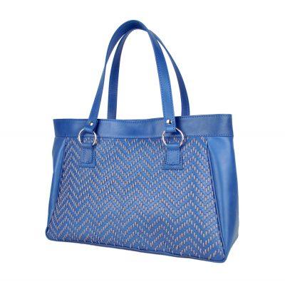 Ručne vyšívaná modrá kabelka z pravej kože - šedé vyšívanie (2)