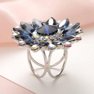 Luxusný trojprstenec na šatky v tvare kvetiny s modrými kryštálmi (1)