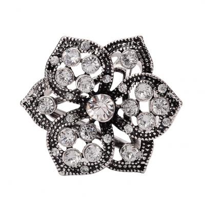 Retro ozdobná brošňa pre šatky v tvare kvetiny, strieborná farba (1)