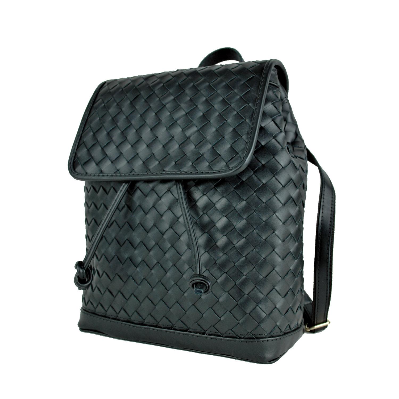 63ddb7ef57 Ručne pletený kožený ruksak z pravej hovädzej kože č.8739 v čiernej farbe  (3 · Ručne ...