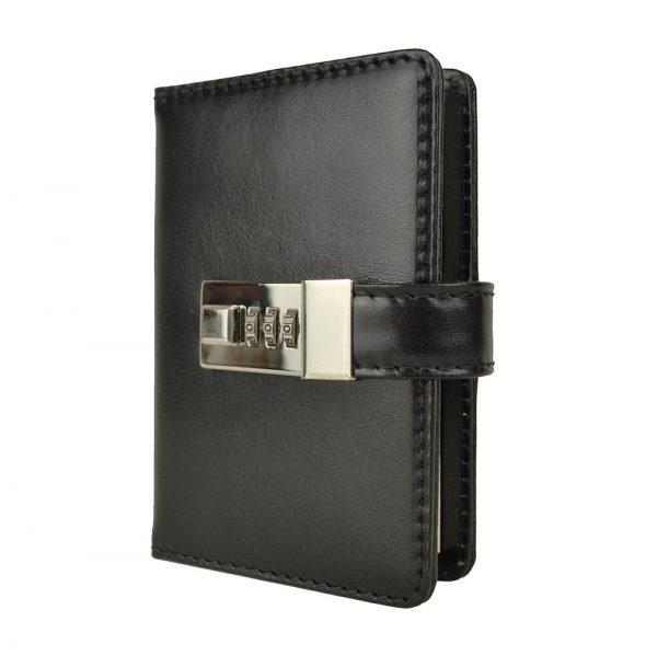 Menší Zápisník z prírodnej kože na heslový zámok, ručne tieňovaný. Obal je vyrobený z pravej hovädzej kože. Koža je pevná a drží tvar