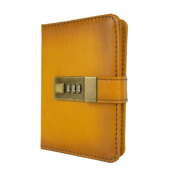Malý ručne tieňovaný zápisník z prírodnej kože na heslový zámok, žltá farba